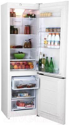 Холодильник с морозильником Indesit DFE 4200 W
