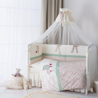 Комплект постельный в кроватку Perina Клюковка / КЛ6-01.3 - в интерьере (балдахин в комплект не входит)