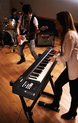 Цифровое фортепиано Roland RD-64