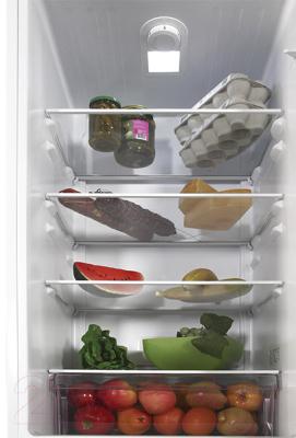 Холодильник с морозильником Beko RCSK310M20W