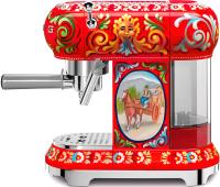 Кофеварка эспрессо Smeg ECF01DGEU -