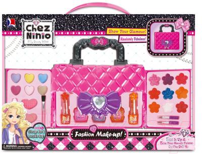 Набор детской декоративной косметики Наша игрушка Чемоданчик красоты / Y19532500