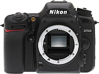 Зеркальный фотоаппарат Nikon D7500 Body -